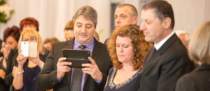 Read more about the article Unplugged Ceremony… Please!